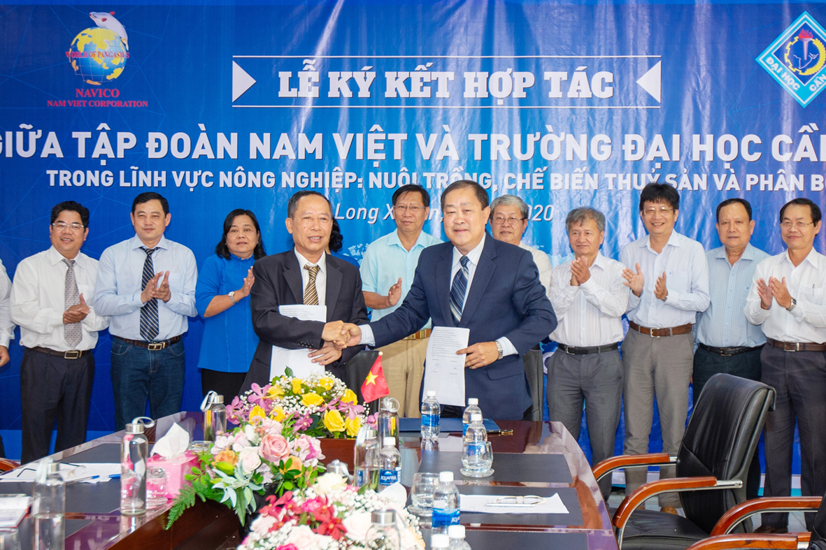 SIGNING CEREMONY BETWEEN NAVICO AND CAN THO UNIVERSITY, HANOI AGRICULTURAL DEVELOPMENT AND INVESTMENT COMPANY., LTD. – BAC HA